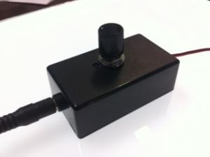 LEDパネルライトの明るさを調節できる器具の試作品です。